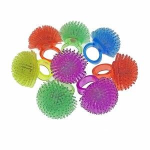 Image 5 - 30 teile/los Led Spielzeug Für Party Luminous Glow Ring Geschenk Weihnachten Spielzeug Erdbeere Weiche Licht Up Spielzeug Für Kinder Glow in Der Dunkelheit