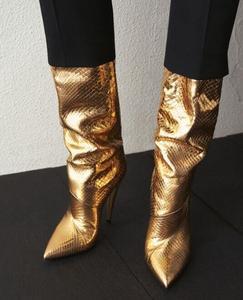 Пикантные кожаные сапоги на высоком каблуке золотого и металлического цвета; пикантные сапоги до колена с острым носком; женские модные сап...