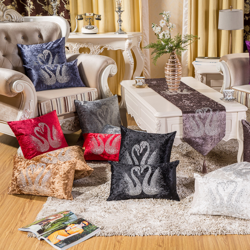 Wholesale custom vogue High quality luxury thick velvet fabric Swan Hot drilling decorative seat cushion cover sofa pillow case