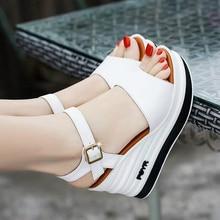 ฤดูร้อนรองเท้าผู้หญิงรองเท้าแตะหนังส้นสูงหญิงรองเท้าแตะเค้กฟองน้ำเปิดนิ้วเท้าหนารองเท้าผู้หญิงw206