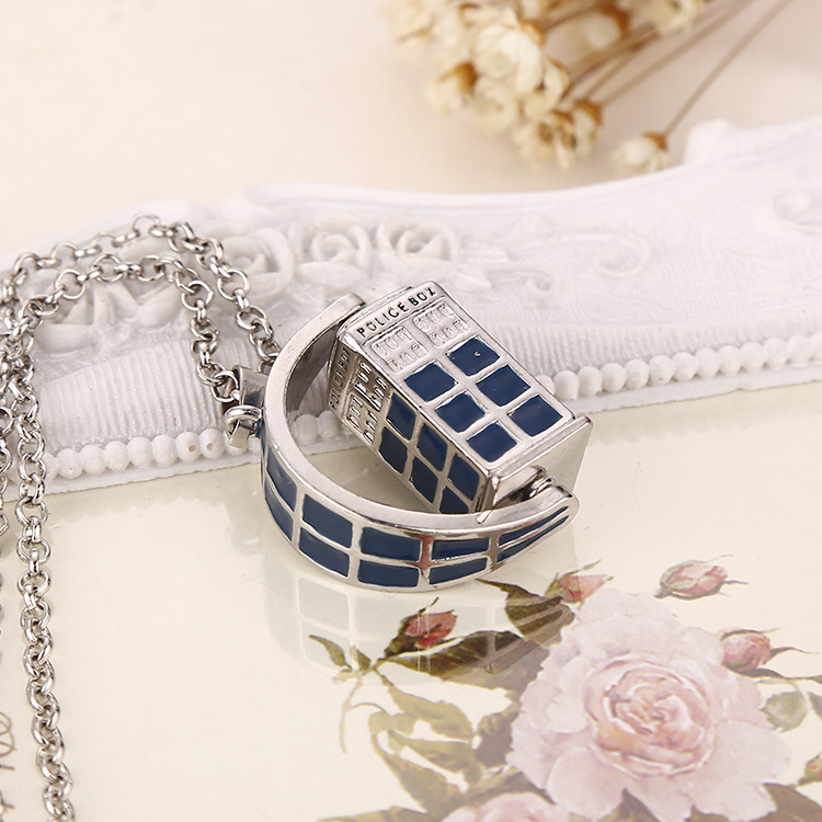 12 Pcs/Lot Blue Telephone Booth Pendant Arbitrary Rotation Doctor TARDIS Necklace Classic Doctor Who Jewelry Wholesale