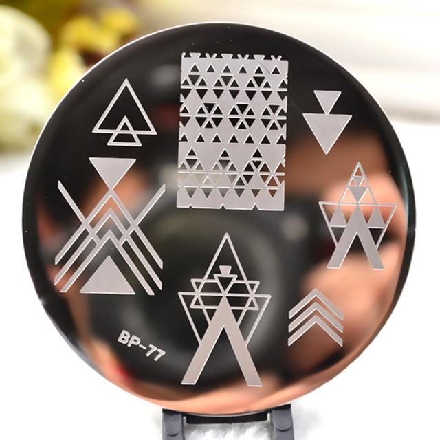 Negative Space Triangle Pattern Nail Art