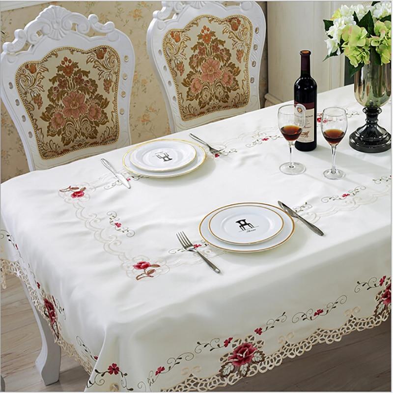 สไตล์ยุโรปผ้าปูโต๊ะแต่งงานปักดอกไม้ลูกไม้ขอบกันฝุ่นครอบคลุมสำหรับตาราง Home พรรคผ้าปูโต๊ะที่มีคุณภาพสูง