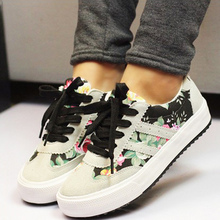 New Women Floral canvas shoes women 2017 hot fashion printed casual shoes Plus size 35-42