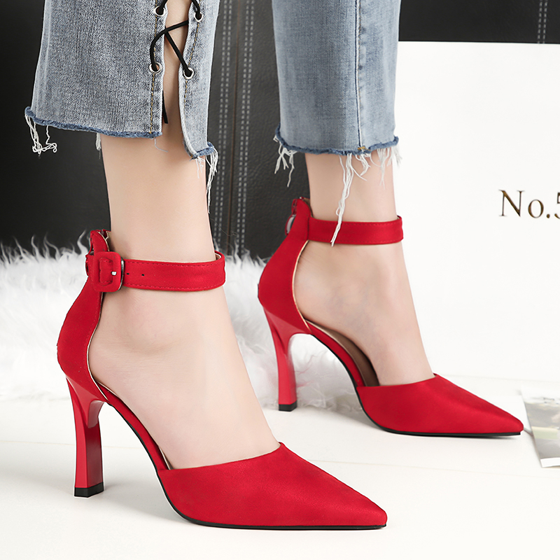 2018 Summer Woman Fetish Block High Heels Female Suede Buckle Strap Sandals Thick Pink Pumps Lady Runway Red Party Wedding Shoes akamatsu flower bowtie shoes woman red diamond high heels pumps cover heels runway shoes pink black butterfly knot sandals