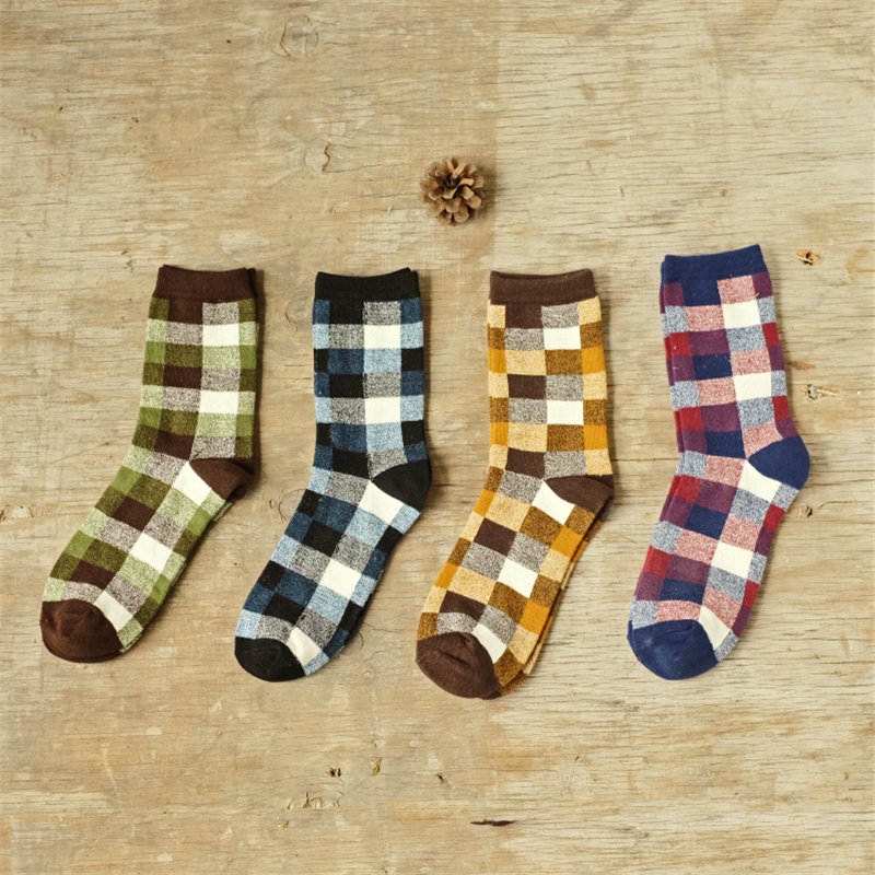 2017 new coloured gird men cotton crew socks of happy sock casual harajuku dress business sox