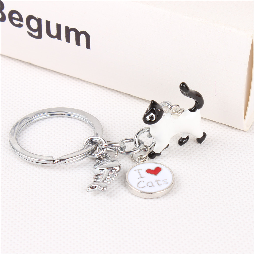 White Cat And Fish Silver Metal Keychain