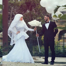 White Muslim Mermaid Wedding Dress Long Sleeve Lace Ruched Bride Dress Brush Train Islamic Hijab Wedding Dress vestido de noiva