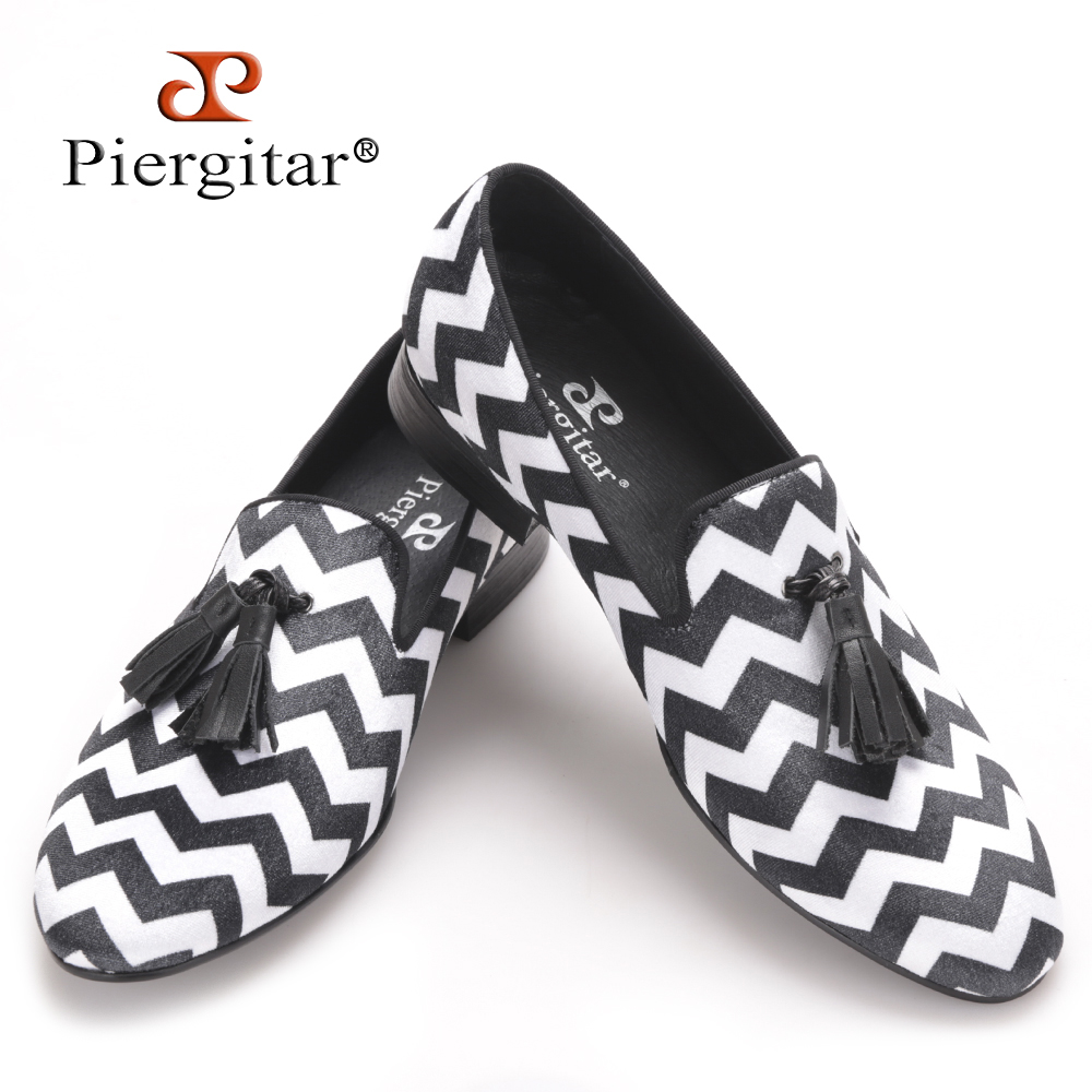 Piergitar mixed color plaid pattern with black leather tassel men velvet shoes party and wedding men's loafers men dress shoes color block plaid dress