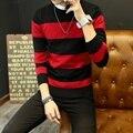 Venta caliente de los hombres suéter de 2017 Del Otoño Del Resorte nuevos estudiantes Del Sur coreano juvenil Delgado suéter a rayas rojo y negro de dos colores M-XXL