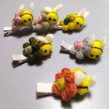 Бутик 12 шт. модные милые цветочные фетровые шпильки с Пчелой Твердые крючком цветок животных заколки для волос Принцесса зимний для волос аксессуары
