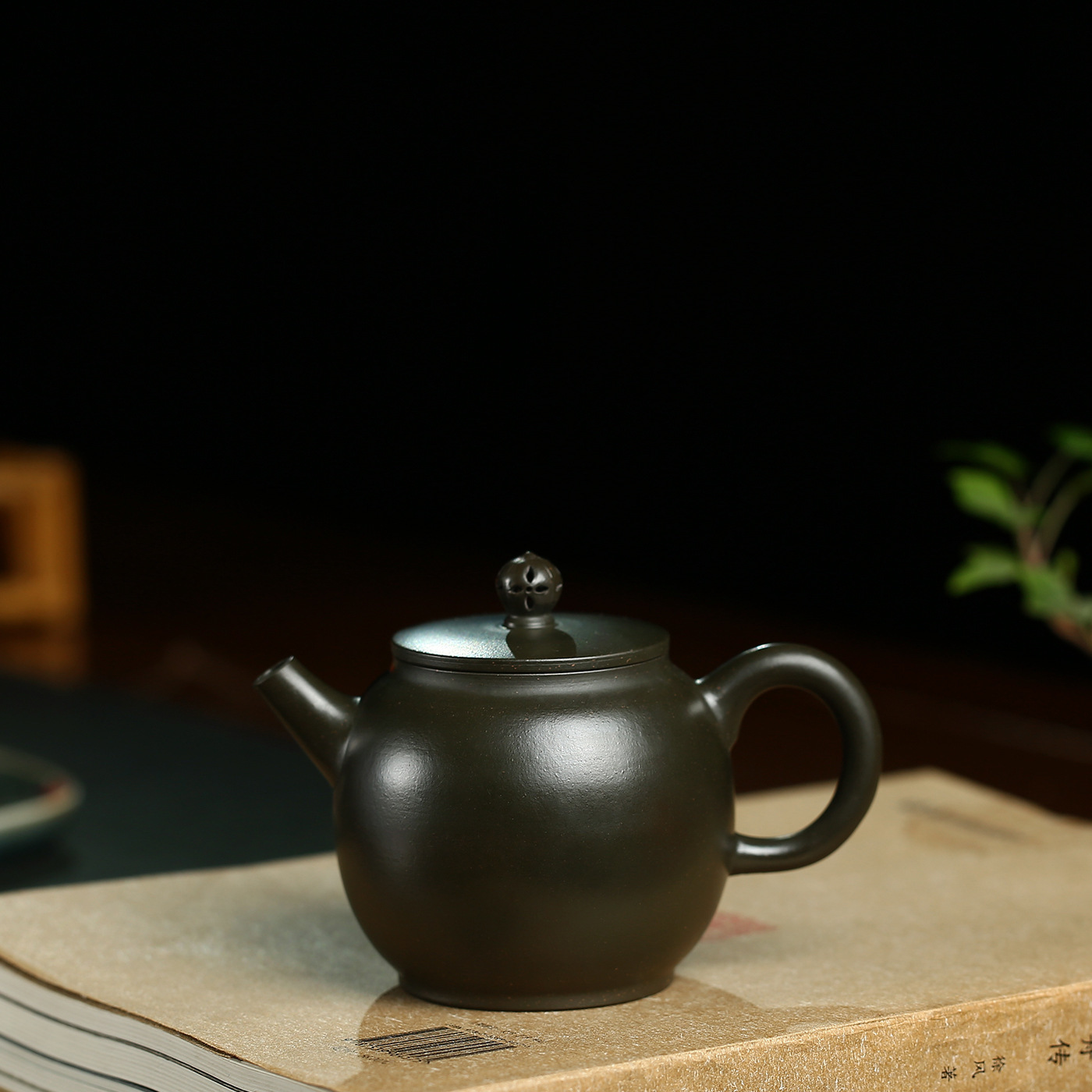 Enameled Pottery Teapot Famous Raw Ore Azure Mud Flat Cover Lotus Kettle Kung Fu Tea Have