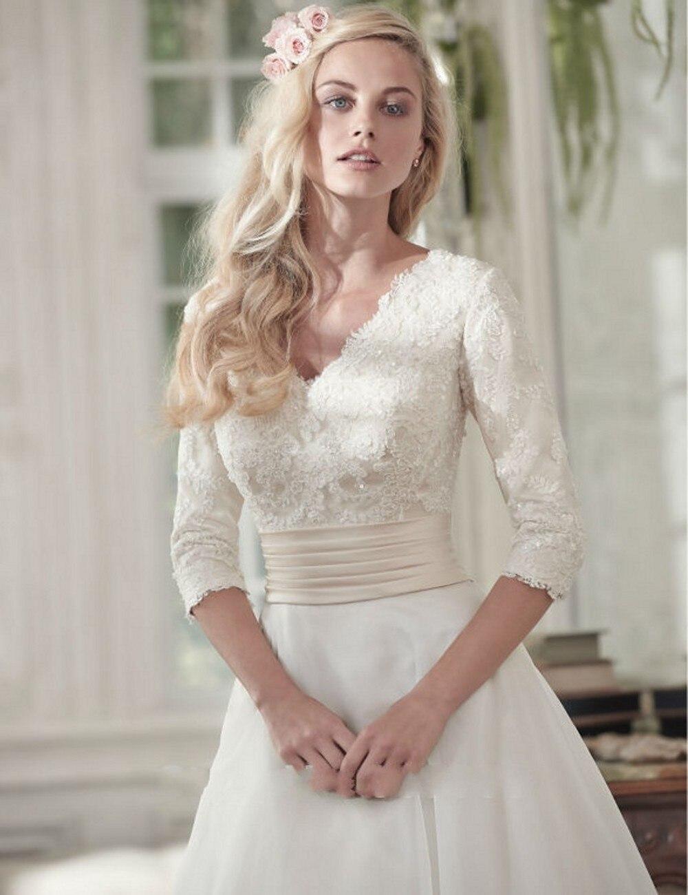 Excepcional Sencillo Vestido Elegante De La Boda Ideas Ornamento ...