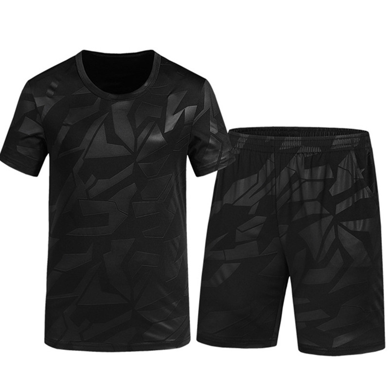 Fashion Men 2 PCS Sportsuit Short Sleeve T Shirt+Shorts For Summer Tracksuit Casual Breathable Beach Male Clothes Set 820-823