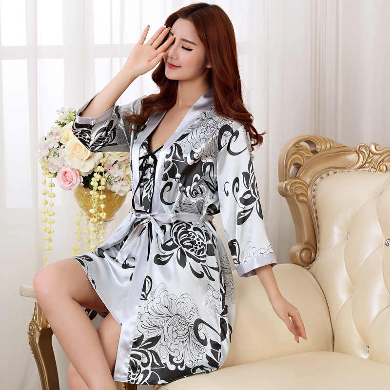 Sping Summer Hot 2018 New Long Robe Satin Rayon Bathrobe For Women Kimono Sleepwear Size M-XXL Nightwear Bridesmaid Bathrobes