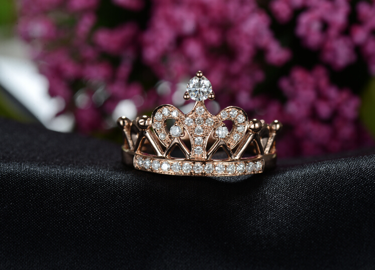 Royal Crown lucury Designer Brilliant Synthetic Diamonds Ring For