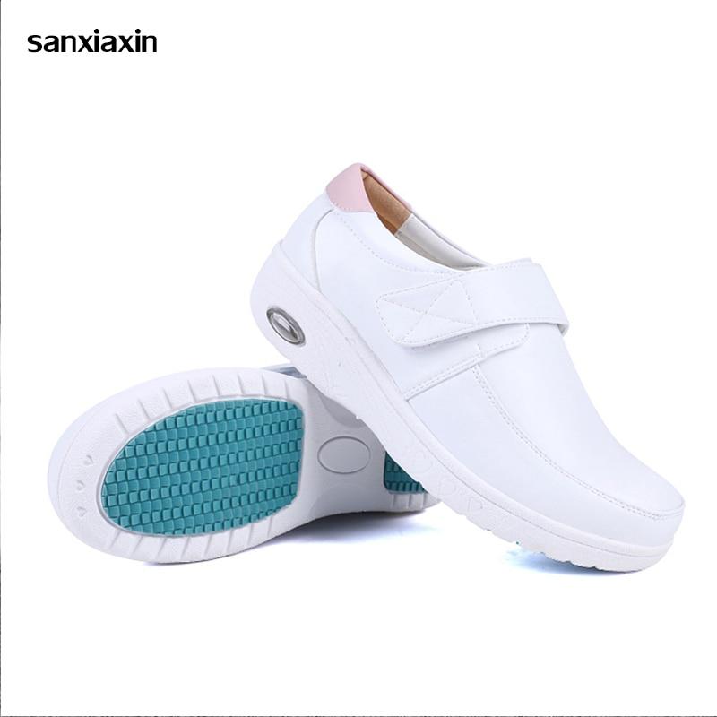 Winter New Doctor Nurse Shoes Female Warm Plus Velvet  Shoes Lab Non-Slip Medical Shoes Hospital Comfortable Surgical Shoes New