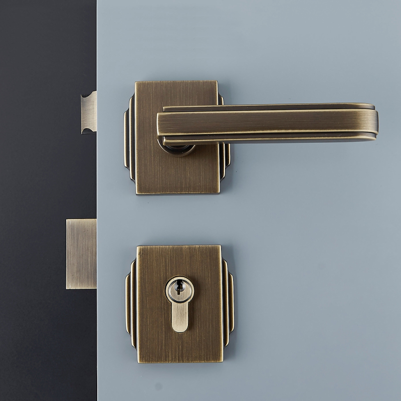 1Set Modernized solid brass Interior Door Handlesets For 35 50mm Doors European Style Handle with Lock