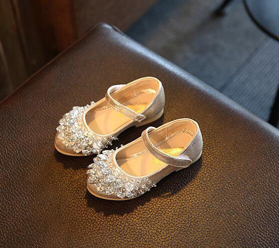 8a81c944a KKABBYII Moda Confortável Única Flor Vestido das Meninas Princesa Sapatos  Crianças Sapatos Para Meninas Sapato Infantil De Menina Festa em Sapatos de  Couro ...