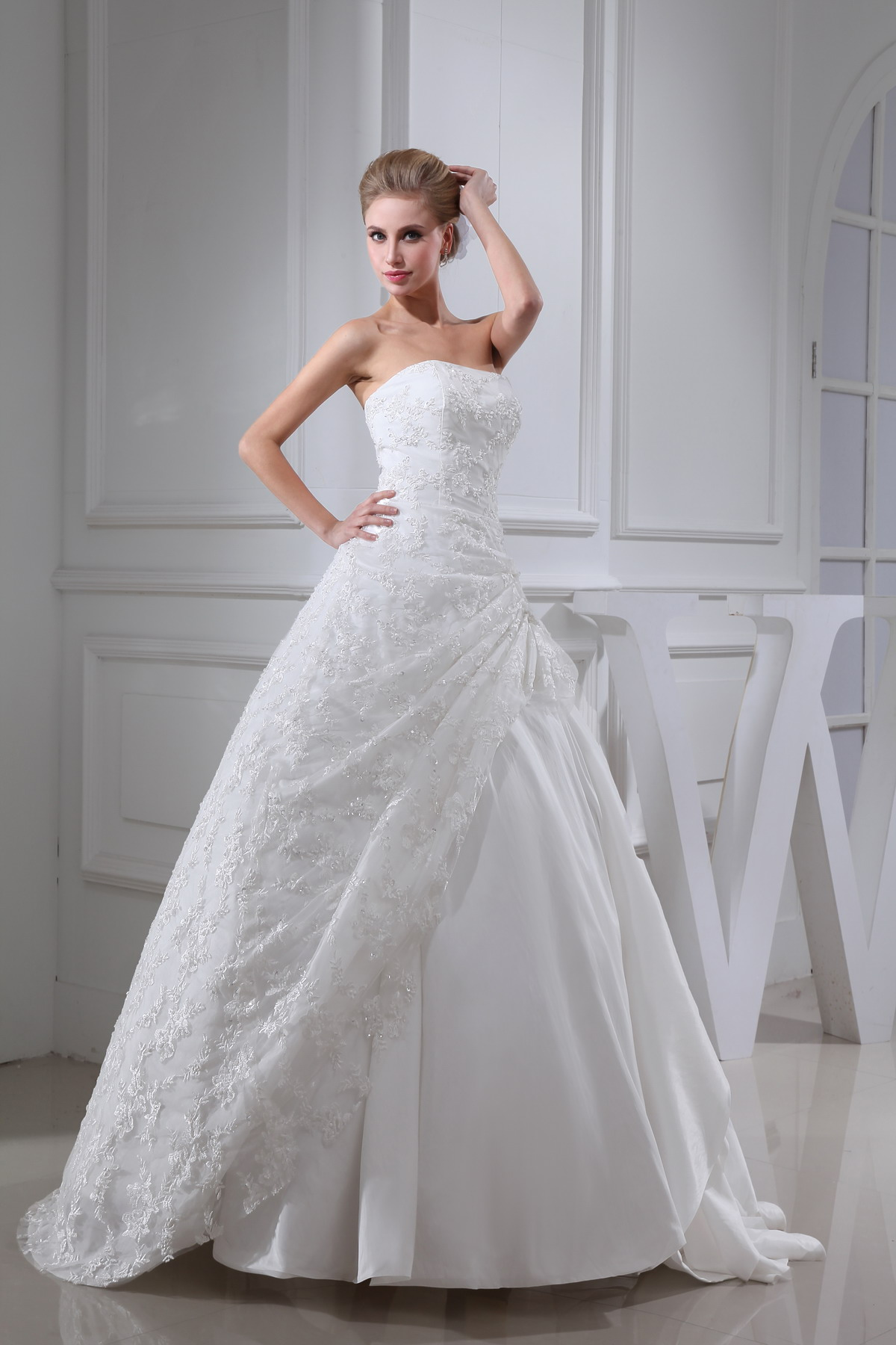 Contemporary plus size wedding dresses with sleeves no for Wedding dresses no train