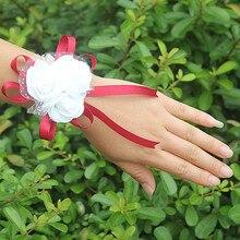 10 шт./лот, самые популярные PE цветы, корсаж, свадебный браслет на запястье, бутоньерка, на заказ, белая, 3 розы, лента, цветы на запястье SW003