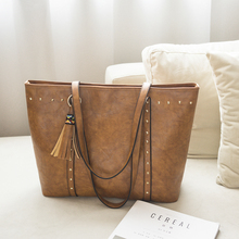 Из искусственной кожи с заклепками Для женщин сумки Повседневное кисточкой Для женщин сумка
