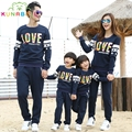 Family clothing 2017 spring cotton letter sweatshirts mother daughter son father clothes family matching outfits clothing sets