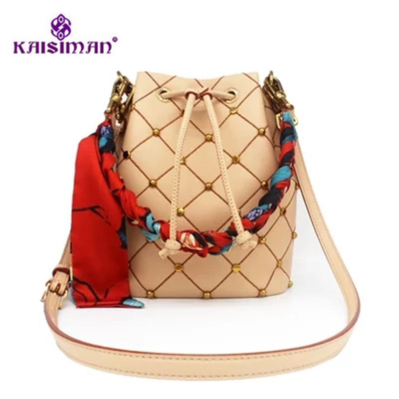 Rivet Bucket Bag 2018 New Women Plaid Handbag Lxuury Brand Shoulder Bag Fashion Lady Leather Crossbody Bag with Scarf Sac A Main new fashion women chain shoulder bag crossbody bag shiny bling lady clutch purse luxury patent leather female handbag sac a main
