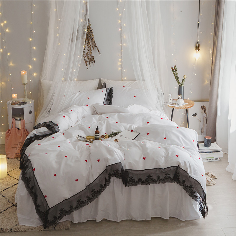 2017 New Black lace bedding sets Heart embroidery girls bed linen duvet cover bed sheet pillow case set king queen size2017 New Black lace bedding sets Heart embroidery girls bed linen duvet cover bed sheet pillow case set king queen size