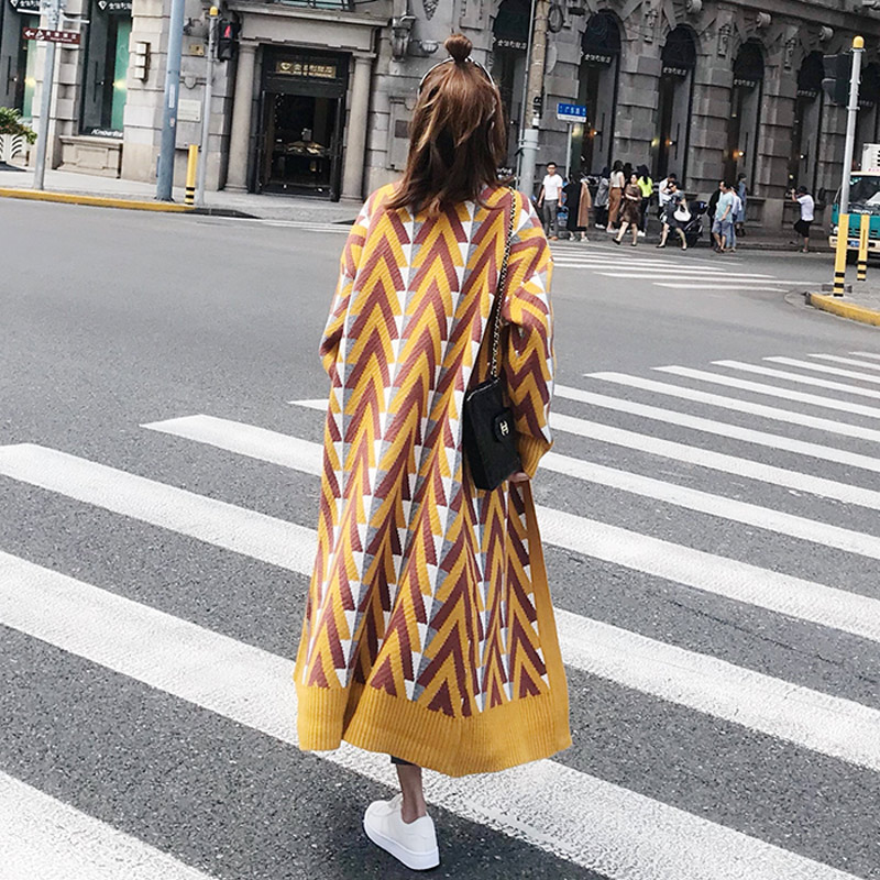 2019 Spring and Autumn Fashion Striped Knitting Trench Coat Women Street Style Gold Open Stitch Loose