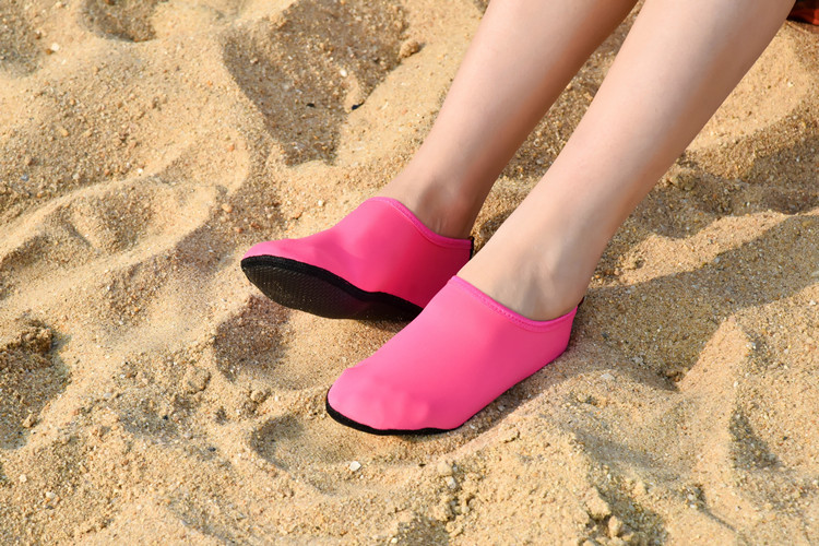 Men Women Aqua shoes Anti Slip Beach Shoes (43)