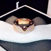 Мода Micro Crystal Кольца для женщин, Буква V обручальные кольца цирконий, ювелирные aneis Bague Роковой Anillo Bijoux Femme 2017