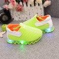 2016 sapatos menino das crianças pequenas sapatos ATACADORES brilhar a luz respirável lazer sapatos sandálias do bebê da menina