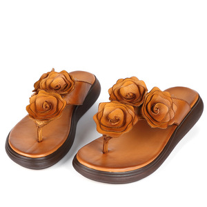 Image 2 - GKTINOO Retro kwiaty klapki damskie 2020 letnie kapcie z prawdziwej skóry kobiet kliny buty kobieta