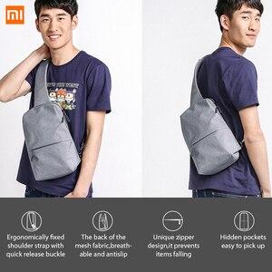 Image 4 - Original xiaomi saco mochila estilingue peito saco estilingue à prova dwaterproof água urbano lazer sacos de ombro esporte mochila unisex