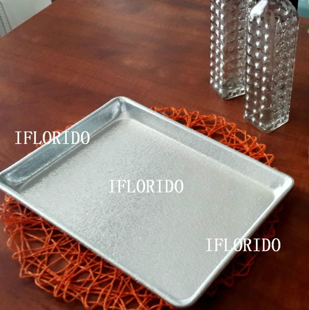 Feuille d'aluminium pan, rectangle forme, taille: 33x24.5x3 cm en relief dans   de