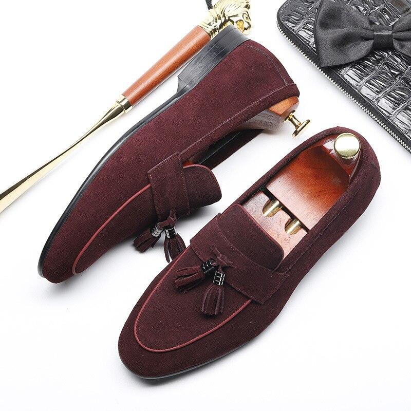 Modèles d'explosion nouvelles chaussures pour hommes d'été angleterre chaussures pointues affaires version européenne des chaussures de mariage en cuir pour hommes gratuit