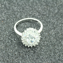 2017 vintage jewelry exquisite 925 silver inlaid ring Modern beautiful ring for the female charm ring j521