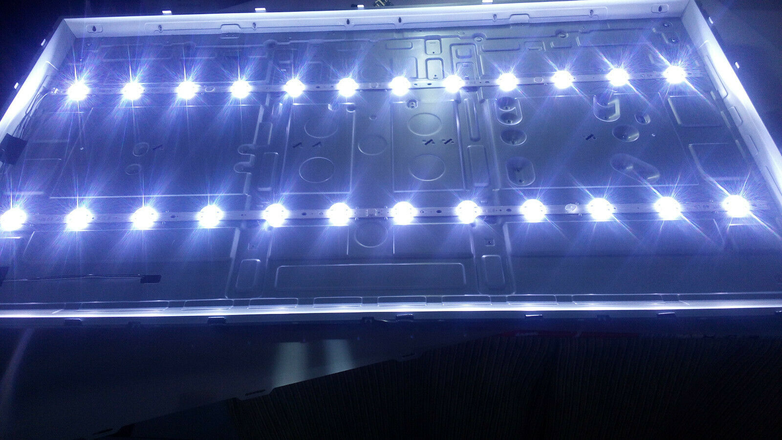 4pcs LED TV  For LG 6916L-2862A 6916L-2863A V17 49 L1 R1 49UV340C 49UJ6565    100%NEW