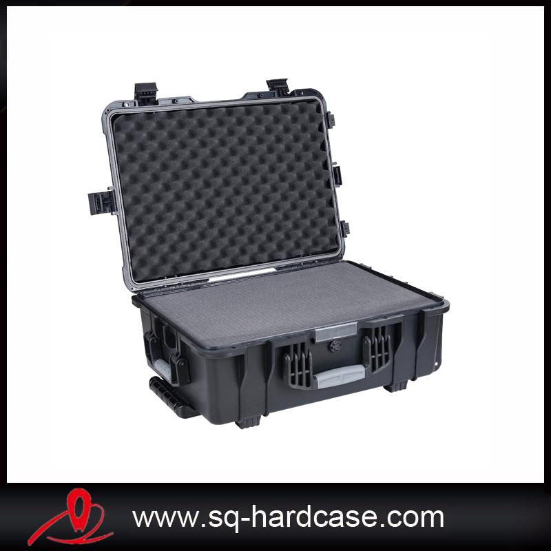 Included Full Sponge IP67 Rating Waterproof Crushproof Hard Plastic Shipping Case With Powerful Wheels
