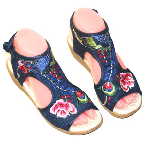 Image 2 - Chaussure de plage Vintage pour femmes, motif Floral, broderie, style bohème, chaussures plates, à bout ouvert, collection sandales décontractées