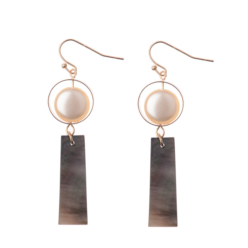 Fancy Design High Quality 2017 Latest Design Shell + Circle Female Long Earrings Dangle Earrings Fashion Accessory HQE473