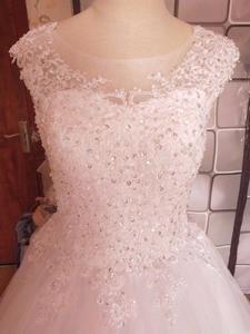 Image 1 - Robe de mariée pour mariées blanche avec paillettes en cristal, robe de mariée pour mariées, grande taille, avec bord en dentelle, ZJ9128, nouvelle collection 2019
