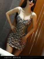 Verstoorde vrouwen sexy nachtclub jurk holle Topless strakke metalen pakket hip minirok gratis