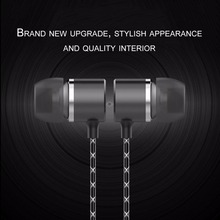 Fashionable Universal Wired In-Ear Earbuds Metal Earphone Stereo Bass 3.5mm With Built-in Mircrophone for Gift