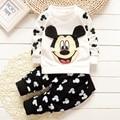 2016 новых мальчиков и девочек осенью и зимой одежда для ребенок милый мультфильм печатных Микки рубашка + брюки хлопок одежда