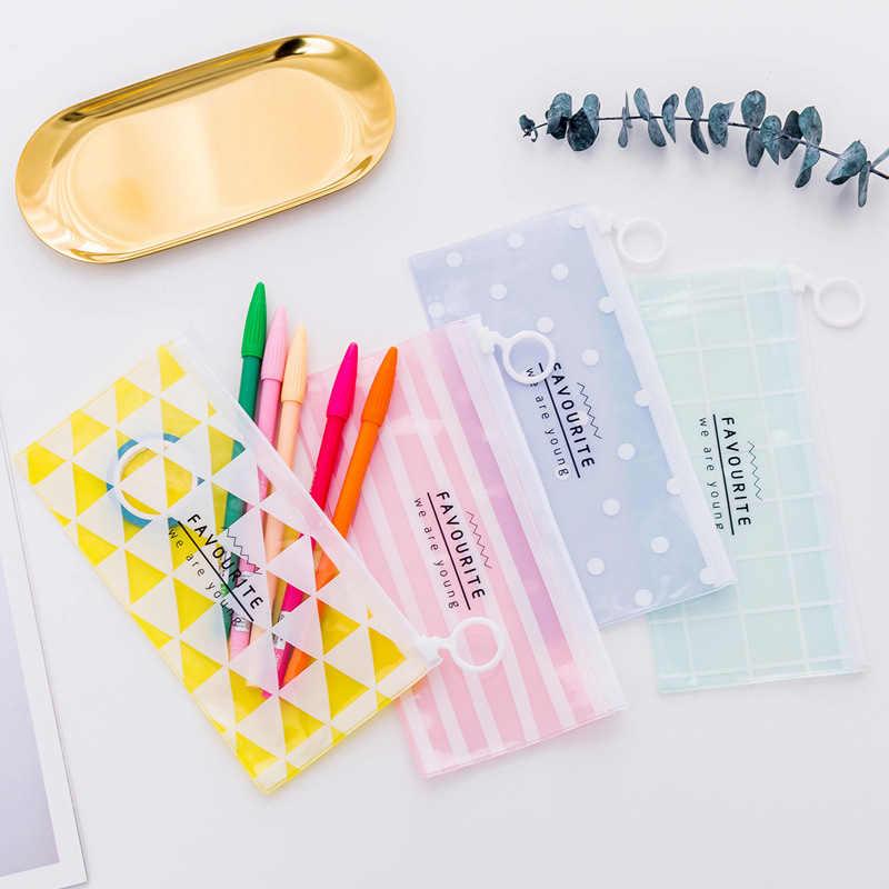 Kawaii Love Heart PVC estuche de lápices a prueba de agua lindo Dot cuadrícula bolsa de lápiz transparente para niños papelería suministros escolares