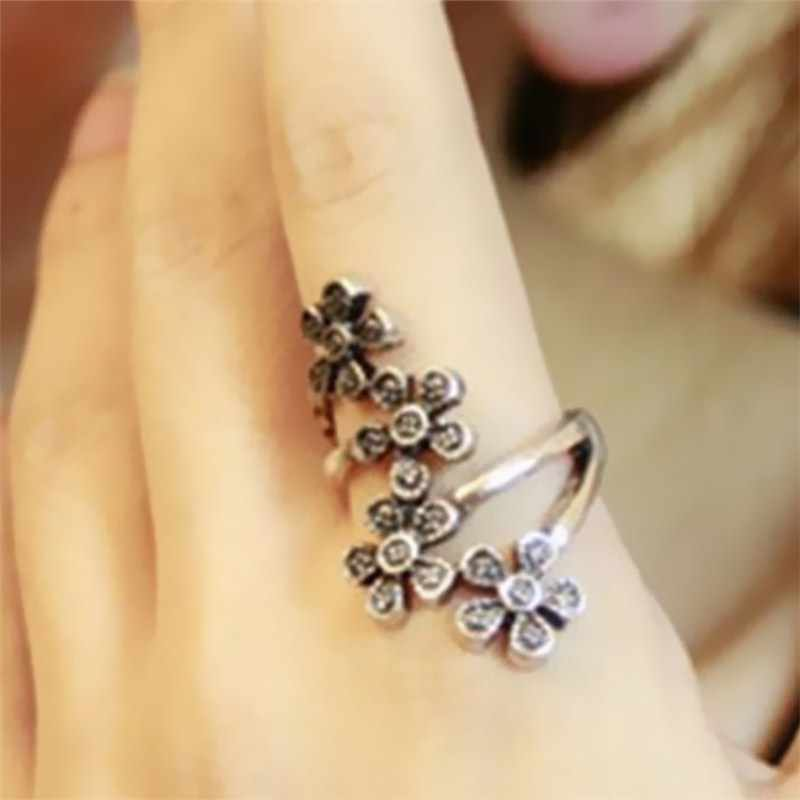 C401 Fashion Pop Personality Four Small Plum Blossom Ring Retro Flower Finger Ring Charms For Women Wedding Jewelry Anillos