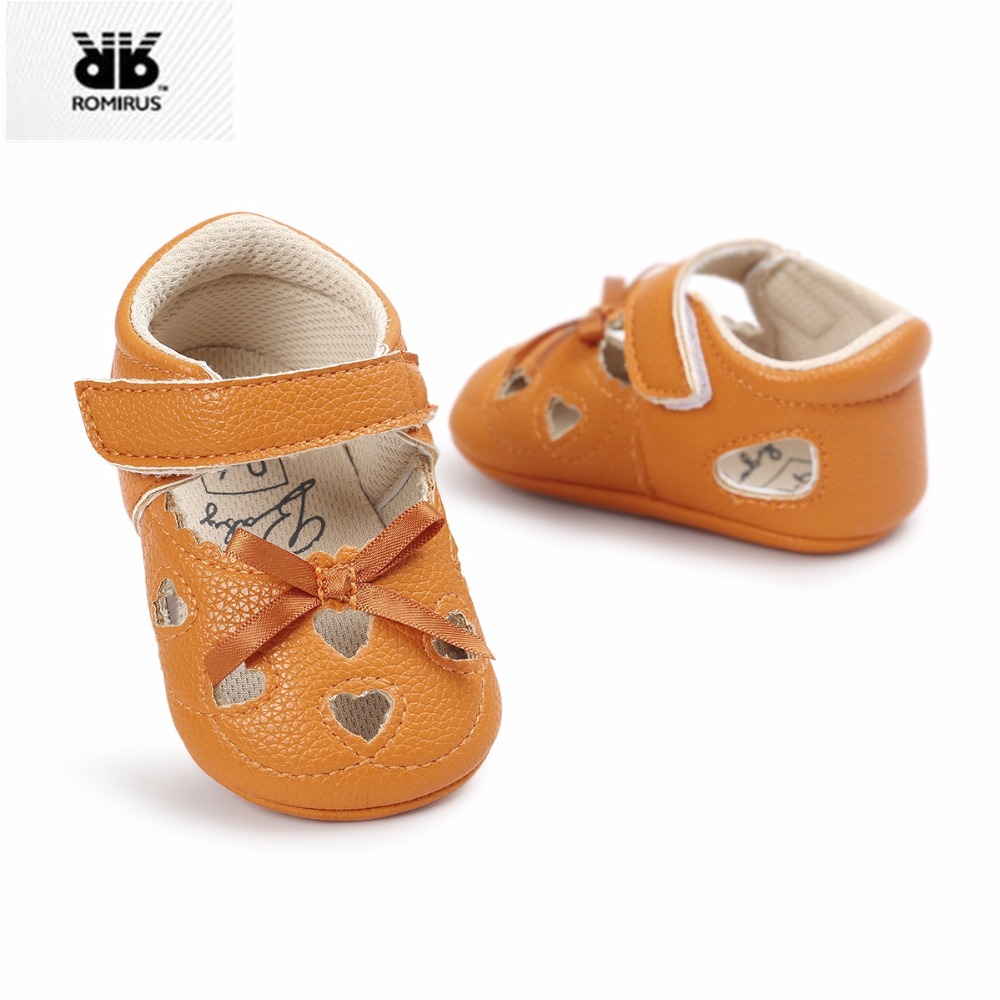 Baby Girl Sandals Baby Summer Clogs Soft Bottom Non-slip Baby Princess Infant Girls Love Shape Kids Shoes crib Shoes Prewalker