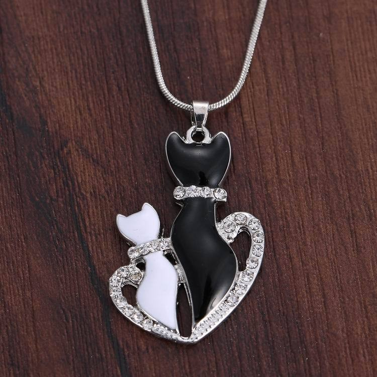NEW LOVELY CAT PAW BLACK WHITE 2 CAT ON HEART CRYSTAL PENDANT NECKLACE-Cat Jewelry-Free Shipping NEW LOVELY CAT PAW BLACK WHITE 2 CAT ON HEART CRYSTAL PENDANT NECKLACE-Cat Jewelry-Free Shipping HTB13hBkLFXXXXbjaXXXq6xXFXXXF